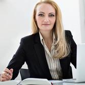 Dr. Carolin Weyand, Foto: Kanzlei Rettenmaier & Adick Dr. Carolin Weyand ist die Ansprechpartnerin für Verstöße gegen AGG,