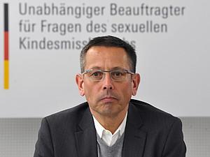 Der Betroffenenrat ist beim Unabhängigen Beauftragten für Fragen des sexuellen Kindesmissbrauchs, Johannes-Wilhelm Rörig, angesiedelt. Foto: picture-alliance