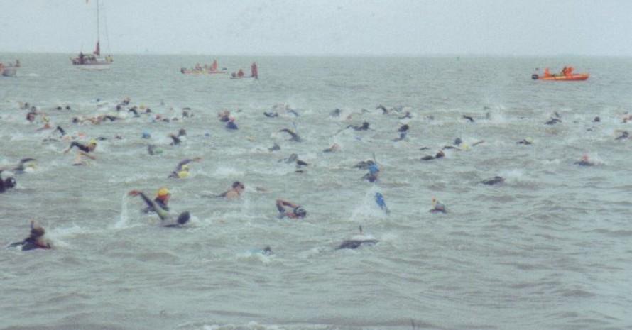 Kampf gegen Wind und Wellen: Nordseeschwimmen von Langeoog nach Bensersiel, Foto: mission-olympic.de