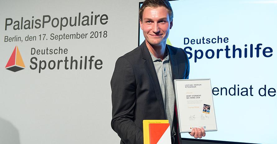 Im vergangenen Jahr wurde Thomas Röhler, Olympiasieger und Europameister im Speerwerfen und MBA-Student für Strategy, Management and Marketing, als Sport-Stipendiat des Jahres ausgezeichnet. Foto: picture-alliance