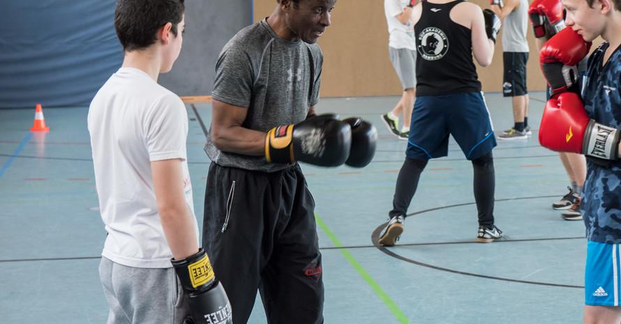 Aus der Ecke ins Leben: Sport und Spiel - das ist unser Medium für Bildung und Erziehung von sozial benachteiligten Kindern und Jugendlichen Foto: Boxakademie Hamburg