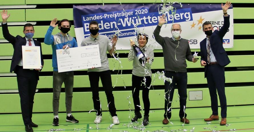 So sehen Landessieger aus: SG Pforzheim Eutingen gemeinsam mit der Volksbank Pforzheim