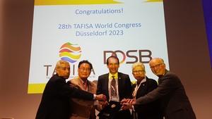 Freuen sich über den Zuschlag zur Ausrichtung des Weltkongresses in Düsseldorf 2023 (v.re.): TAFISA-Generalsekretär Wolfgang Baumann, Gisela Hinnemann, Andreas Silbersack, TAFISA-Präsident Ju-Ho Chang und TAFISA Vorstandsmitglied Dionysos Karakasis; Foto: TAFISA
