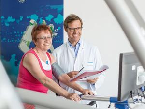 Vor intensiver körperlicher Belastung ist eine sportmedizinische Untersuchung sinnvoll. Foto: TK