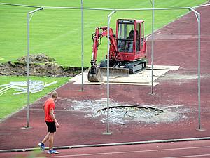 DOSB und kommunale Spitzenverbände schätzen den Sanierungsstau von Sportstätten auf rund 31 Mrd. Euro. Foto: picture-alliance
