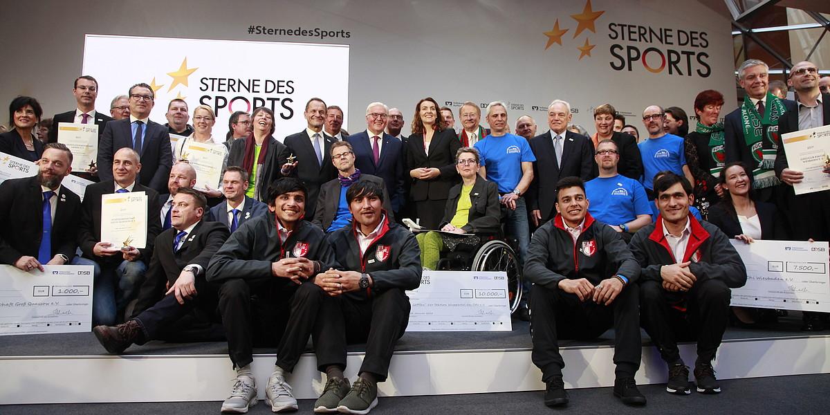 """Großer """"Stern des Sports"""" in Gold 2017 durch Bundespräsident Frank-Walter Steinmeier verliehen"""