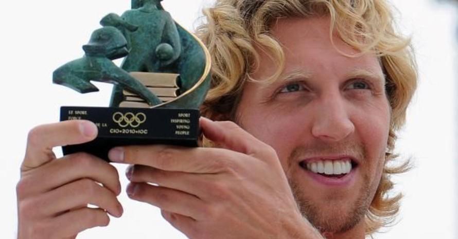 Im vergangenen Jahr erhielt Dirk Nowitzki die IOC-Trophy des DOSB. Foto: picture-alliance