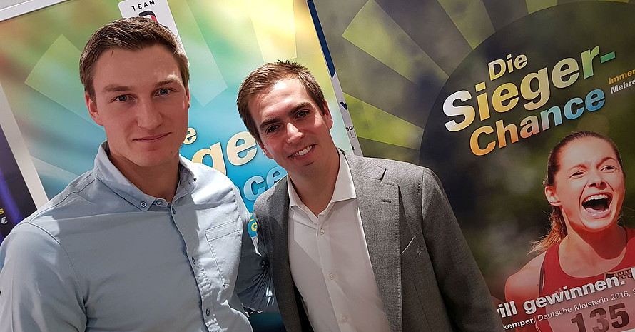 Speerwurfolympiasieger Thomas Röhler (l.) und Fußballweltmeister Philipp Lahm unterstützen die Sportlotterie. Foto: DOSB