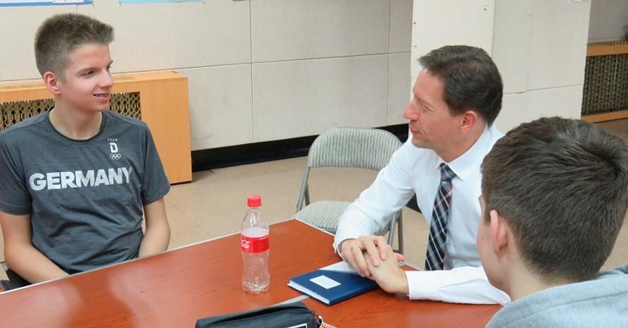 Im anschließenden Workshop berichteten Mitarbeiter der Deutschen Botschaft vom Leben und Arbeiten als Diplomat.