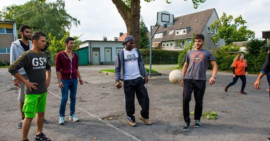 """13 Landessportbünde beteiligen sich am Projekt """"Willkommen im Sport"""". (Foto: LSB NRW)"""