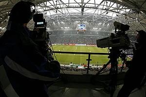 Die Fußball-Stadien - Orte hoher wirtschaftlicher Wertschöpfung, Copyright: picture-alliance