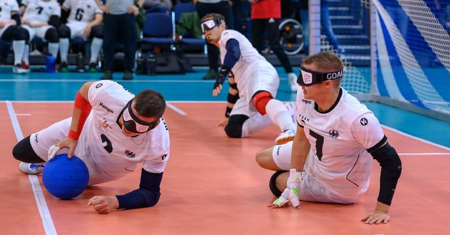 Das deutsche Goalball-Team spielt im Eröffnungsspiel der Goalball-Europameisterschaft 2019 in Rostock gegen Spanien. Goalball ist eine Ballsportart für Menschen mit Sehbehinderung. Foto: picture-alliance