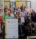 Die GäMSen erhalten die Nominierungsurkunde für den Deutschen Engagementpreis. Foto: Deutscher Engagementpreis