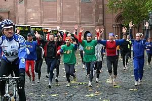 Die Läufer 2006 vor dem Mainzer Dom, Foto: Arqué e.V.