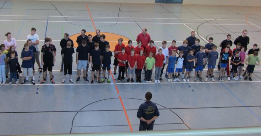 Die Jungen und Mädchen von der Jugendfeuerwehr Wilsdruff können sich über den Gewinn von 500 Euro freuen. Foto: Mission Olympic