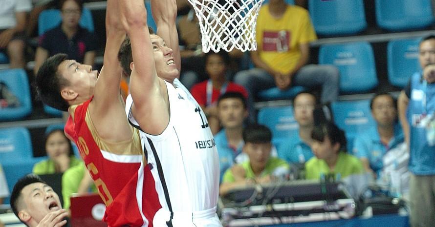 Die deutschen Basketballer starteten mit zwei Siegen ins Turnier: Zum Auftakt bezwangen sie im Drei gegen Drei Gastgeber China bei prickelnder Atmosphäre.