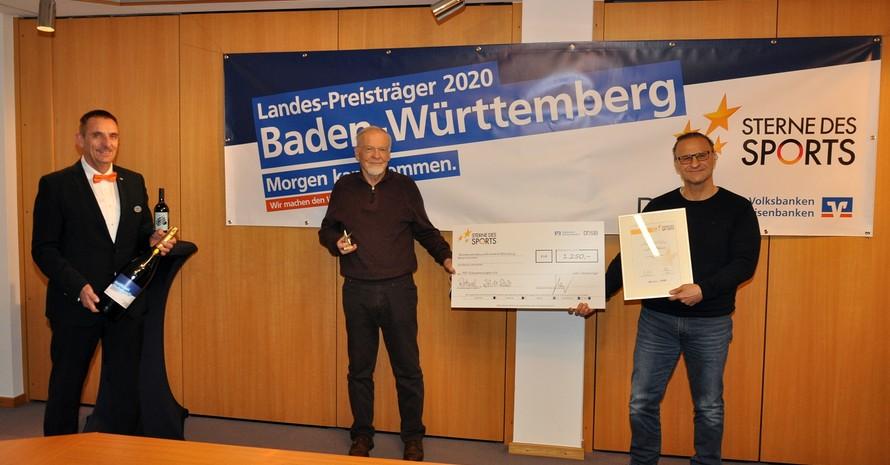 Preisübergabe an die FSV Schwenningen durch die Volksbank Rottweil Foto: Volksbank Rottweil