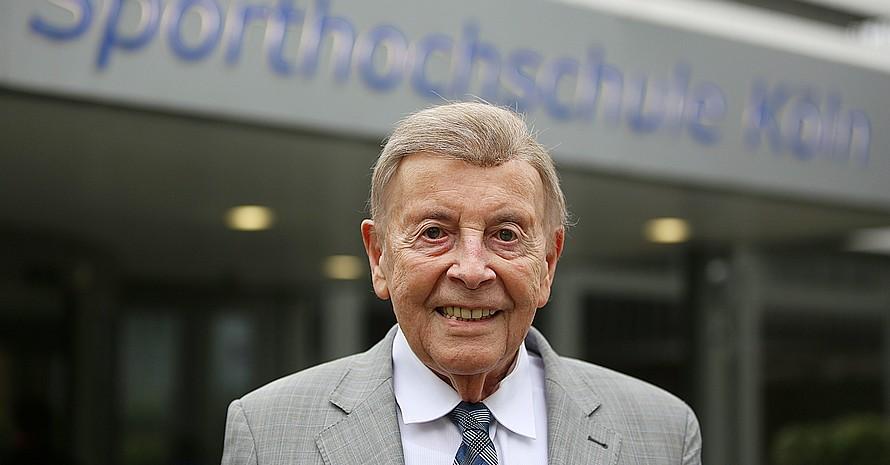Prof. Wildor Hollmann, Nestor der Sportmedizin, feiert am 30. Januar 2020 seinen 95. Geburtstag. Foto: picture-alliance