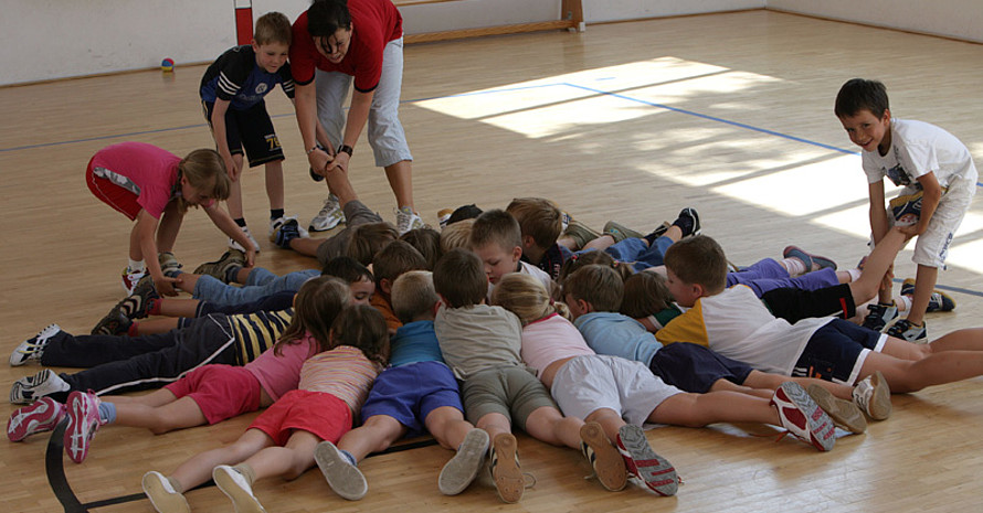 """""""Kinder sind die Zukunft des Sports."""" Copyright: picture-alliance"""