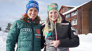 Biathletin Lisa Theresa Hauser (r.) wurde 2017 für ihr faires Verhalten gegenüber der deutschen Athletin Vanessa Hinz ausgezeichnet. Foto: DOA