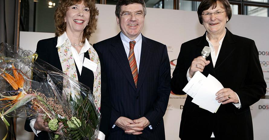 DOSB-Präsident Thomas Bach mit seinen Präsidiumskolleginnen Prof. Dr. Gudrun Doll-Tepper und Ilse Ridder-Melchers