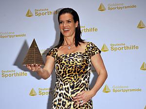 Katarina Witt wurde mit der Goldenen Sportpyramide ausgezeichnet. Copyright: picture-alliance