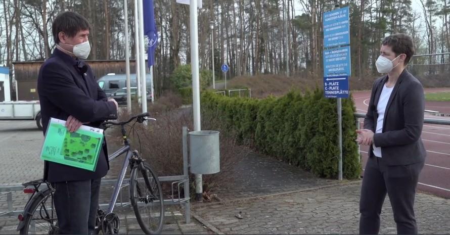 DOSB-Vorstandsvorsitzende Veronika Rücker trifft auf ihrer Reise durch Sportdeutschland den Geschäftsführer des TV Erlangen, Jörg Bergner. Screenshot: DOSB