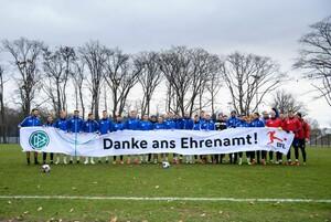 Der Deutsche Fußball-Bund 2020 mit einer Aktion zur Wertschätzung des Ehrenamts. Foto: picture-alliance