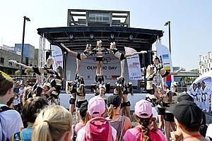 Mit mitreißendem Programm startete der Olympic Day 2019 im Kölner Rheinauhafen. Foto: EDEKA