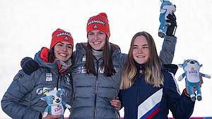 Erfolgreiche Rodlerinnen: Jessica Degenhardt, Merle Fräbel und die Russin Diaba Loginova (v.l.) Foto: Olympic Information Services