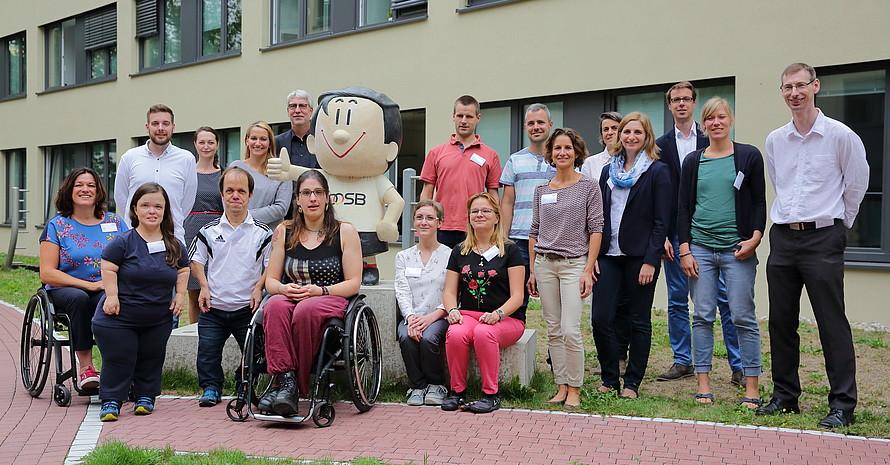 Elf Sport-Inklusionsmanger/innen und alle im Projekt beteiligten Personen beim Auftakttreffen.