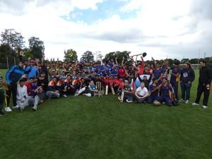 Teams beim Cricketturnier in Nürnberg. Foto: Verweyen/IDS