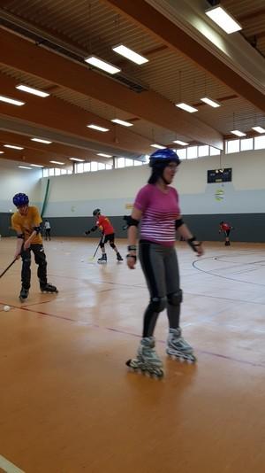 TeilnehmerInnen beim Unihockey