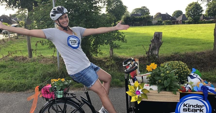"""KiKA-Moderatorin und """"Kinder stark machen""""-Botschafterin Singa Gätgens gibt bei""""Singas wunderbarer Garten """" Tipps und Informationen für eine abwechslungsreiche Freizeit. Foto: BZgA"""