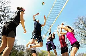 Für Sportstudierende ist auch die Praxis wichtiger Bestandteil ihrer Ausbildung. Foto: picture-alliance