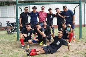 Freude am Fußball und Freunde auf dem Spielfeld und in der neue Heimat