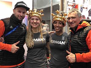Dr. Christian Schneider (r.) mit Physiotherapeut Sven Kuhlbrodt und den Olympiasiegerinnen im Zweierbob Lisa Buckwitz und Mariama Jamanka (v.l.) in PyeongChang. Foto: GOTS
