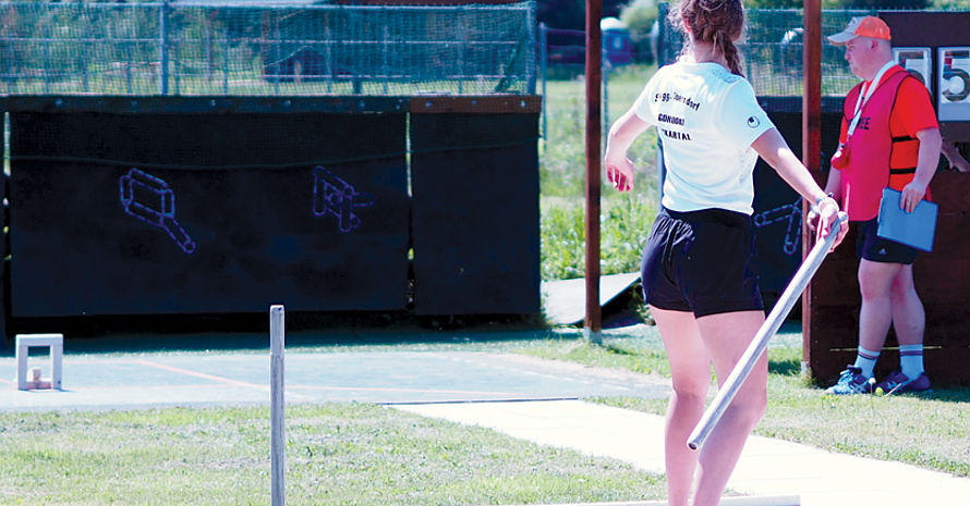 Mit 17 Jahren war die Oberndorferin Angelina Andreev die jungste Teilnehmerin der diesjährigen deutschen Gorodki-Meisterschaften.  Foto: privat