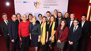 Preisträger*innen des Deutschen Engagementpreises 2018 mit Familienminsterin Franziska Giffey. Foto: Deutscher Engagementpreis