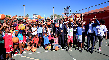 Basketball Artists in Windhoek with political representatives and sports officials © Stefan Oosthuizen