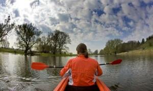 Im Wassersportatlas findet man sämtliche Daten und Fakten des Wassersports. Copyright: picture-alliance