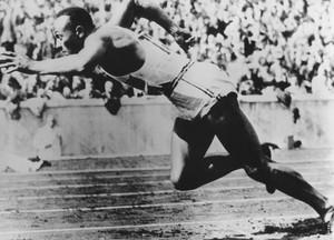 Jesse Owens wäre am 12. September 100 Jahre alt geworden und gewann 1936 in Berlin viermal Gold. Foto: picture-alliance