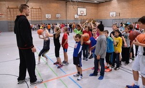 Basketballtraining für Kinder; Foto: picture-alliance