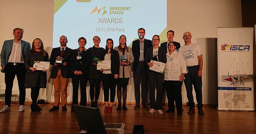"""Auszeichnung des Deutsche Turner-Bund mit dem Green Spaces Award der ISCA für das Projekt """"Fitness-Locations"""" in Paris (Quelle: DTB)"""