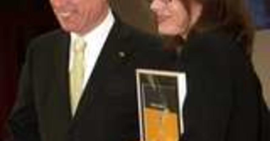 Karin Radtke mit dem Bundespräsidenten (Foto: Thorsten Griebenow, mmk-m)