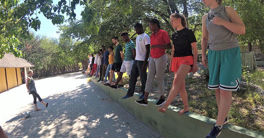 Gemeinsames Kennenlernen und Sporttreiben in Botswana Foto: dsj/Paulina Fritz