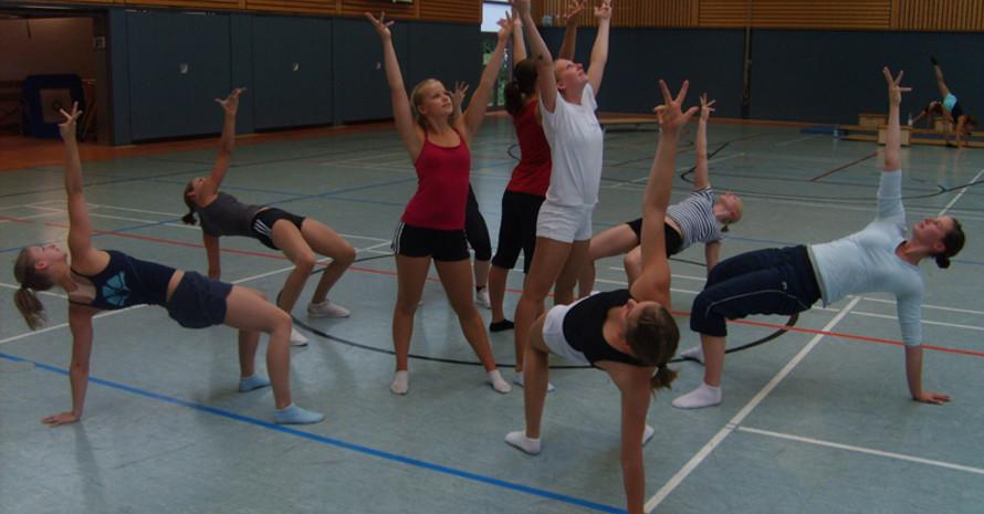 Die Aerobic-Mädels des TuS Rotenburg beim Training. Foto: Johannes Heeg