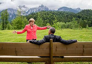 Die große Welt im Kleinen erklärt: Kanzlerin Angela Merkel mit dem damaligen US-Präsidenten Barack Obama beim G8-Gipfel 2016 im bayerischen Elmau