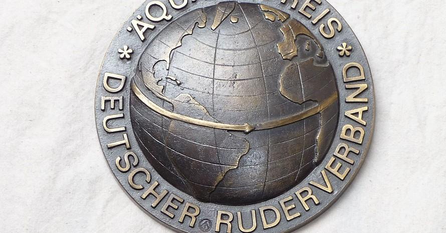 So sieht er aus, der Äquatorpreis des Deutschen Ruderverbandes. Foto: Anne Schneller
