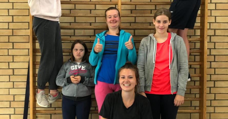 Topmotiviert beim Tourstopp in Waiblingen (v.l.n.r.: Jessica Kärcher, Hanna Köhler, Lara Tomschi, Edith Krutsch, Marie und Niklas). Foto: Marco Dames